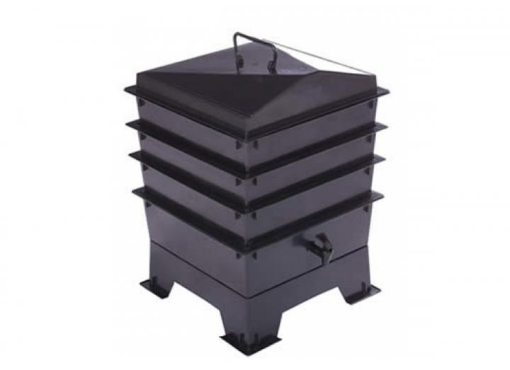 Black 3 tray standard wormery