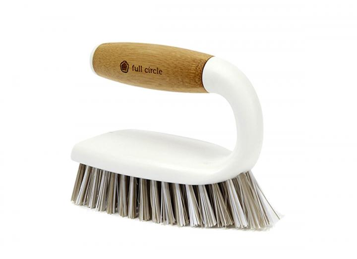 Full Circle all-purpose scrub brush in white, made from bamboo & recycled plastic