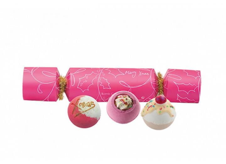 Bath blaster cracker gift set