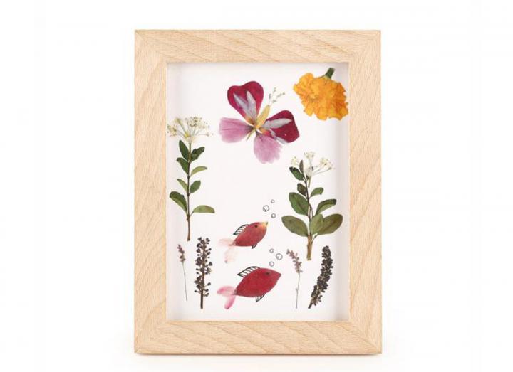 Huckleberry make your own pressed flower frame art