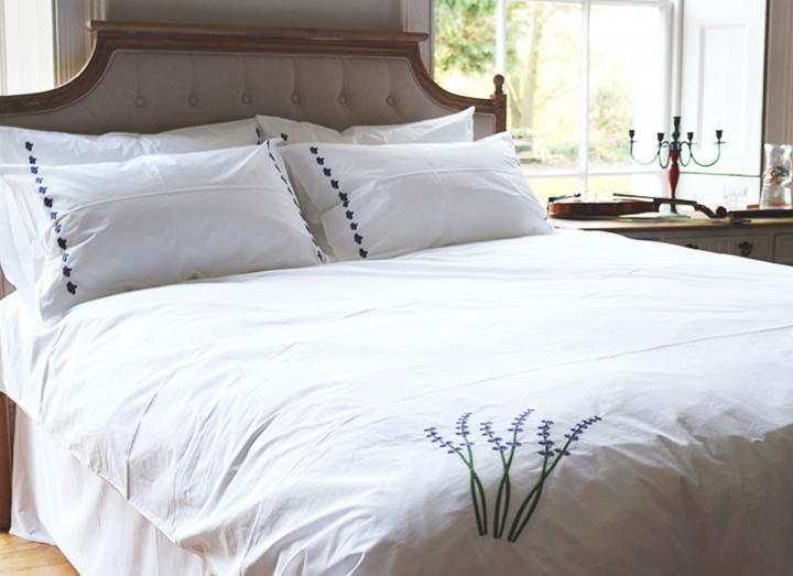 Sleep Organic lavender embroidered duvet set