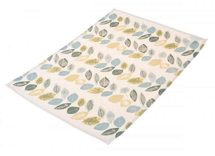 Organic cotton placemat with leaf print design