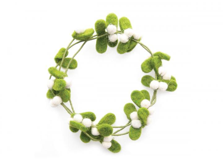 Mini mistletoe wreath from Fiona Walker Home