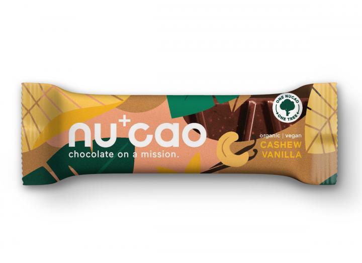Nucao cashew vanilla raw chocolate bar 40g