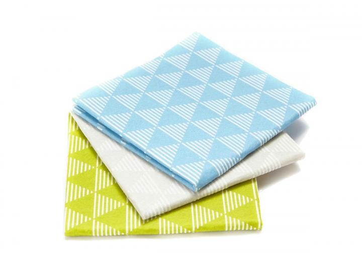 Full Circle pack of 3 pulp friction dusting cloths, made from 100% plant based pulp