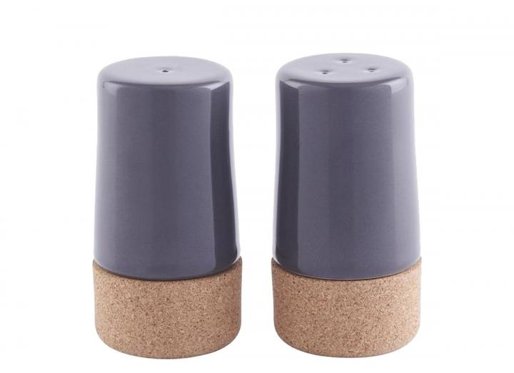 Salt & pepper shaker set in ceramic & cork