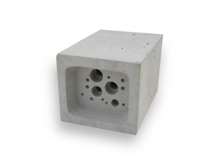 bee block small white