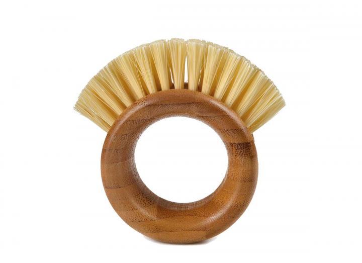 Full Circle veggie brush, made from bamboo & recycled plastic