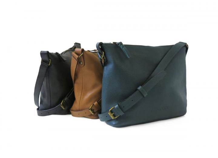 Leather shoulder bag group