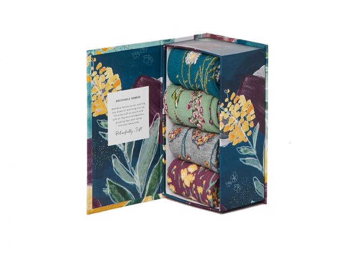 Garden flowers gift box