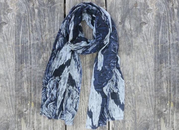 Fine wool scarf blue