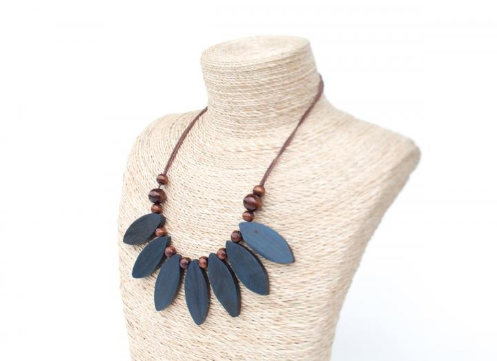 Wooden petal necklace